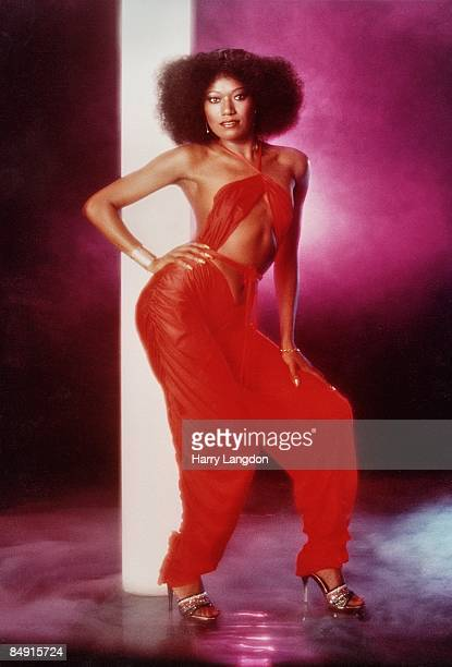 Singer Bonnie Pointer poses for a portrait circa 1982 in Los Angeles California