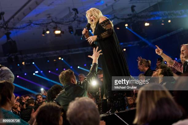 Singer Bonnie Tyler performs during the New Year's Eve tv show hosted by Joerg Pilawa on December 30 2017 in Graz Austria