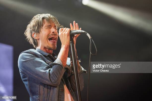 Singer Brandon Boyd of Incubus performs on stage at Arena Ciudad de México on November 29 2013 in Mexico City Mexico