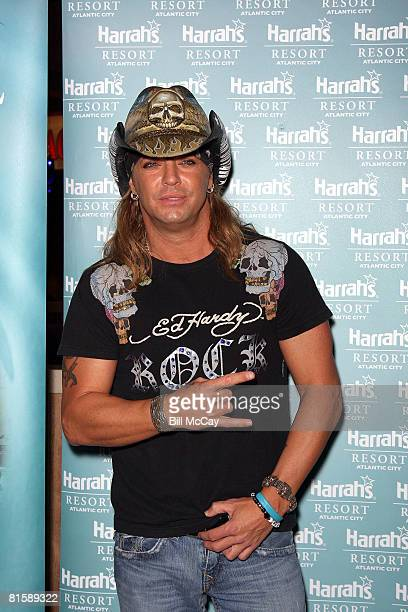 Singer Bret Michaels hosts a party at The Pool at Harrah's Casino June 13, 2008 in Atlantic City, New Jersey.