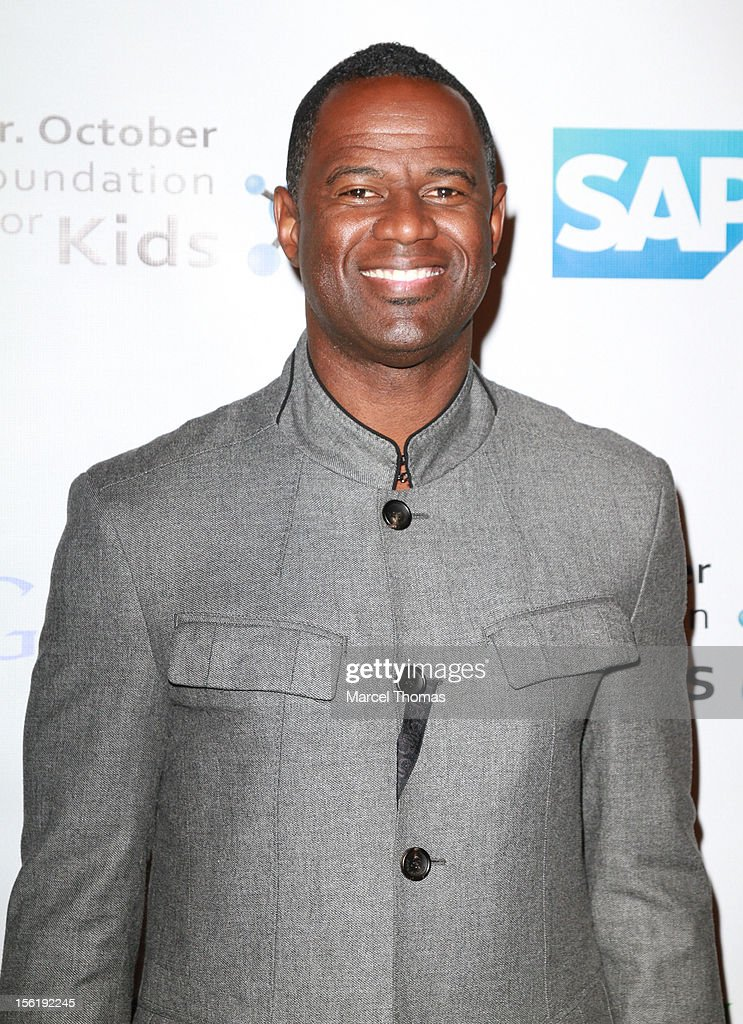 Singer Brian McKnight attends the 8th All Star Celebrity Classic benefiting the Mr October Foundation for Kids at Cosmopolitan Hotel on November 11, 2012 in Las Vegas, Nevada.