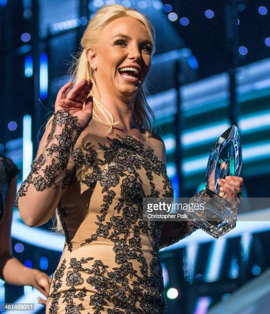 Singer Britney Spears accepts the Favorite Pop Artist award onstage during The 40th Annual People's Choice Awards at Nokia Theatre LA Live on January...