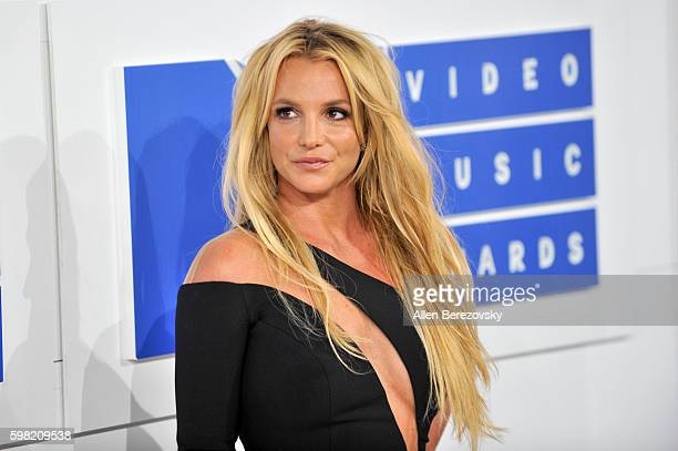 Singer Britney Spears arrives at the 2016 MTV Video Music Awards at Madison Square Garden on August 28 2016 in New York City