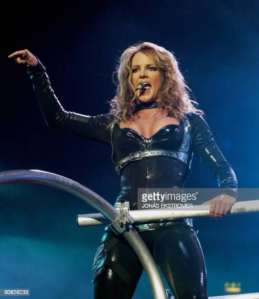 singer-britney-spears-performs-at-the-gl