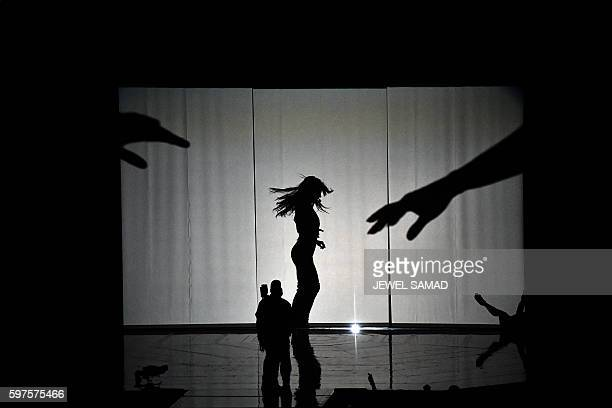 Singer Britney Spears performs during the 2016 MTV Video Music Awards August 28, 2016 at Madison Square Garden in New York. / AFP / Jewel SAMAD