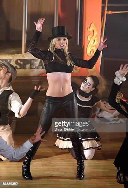 """Singer Britney Spears performs on ABC's """"Good Morning America"""" at The Big Apple Circus tent at Lincoln Center on December 2, 2008 in New York City."""