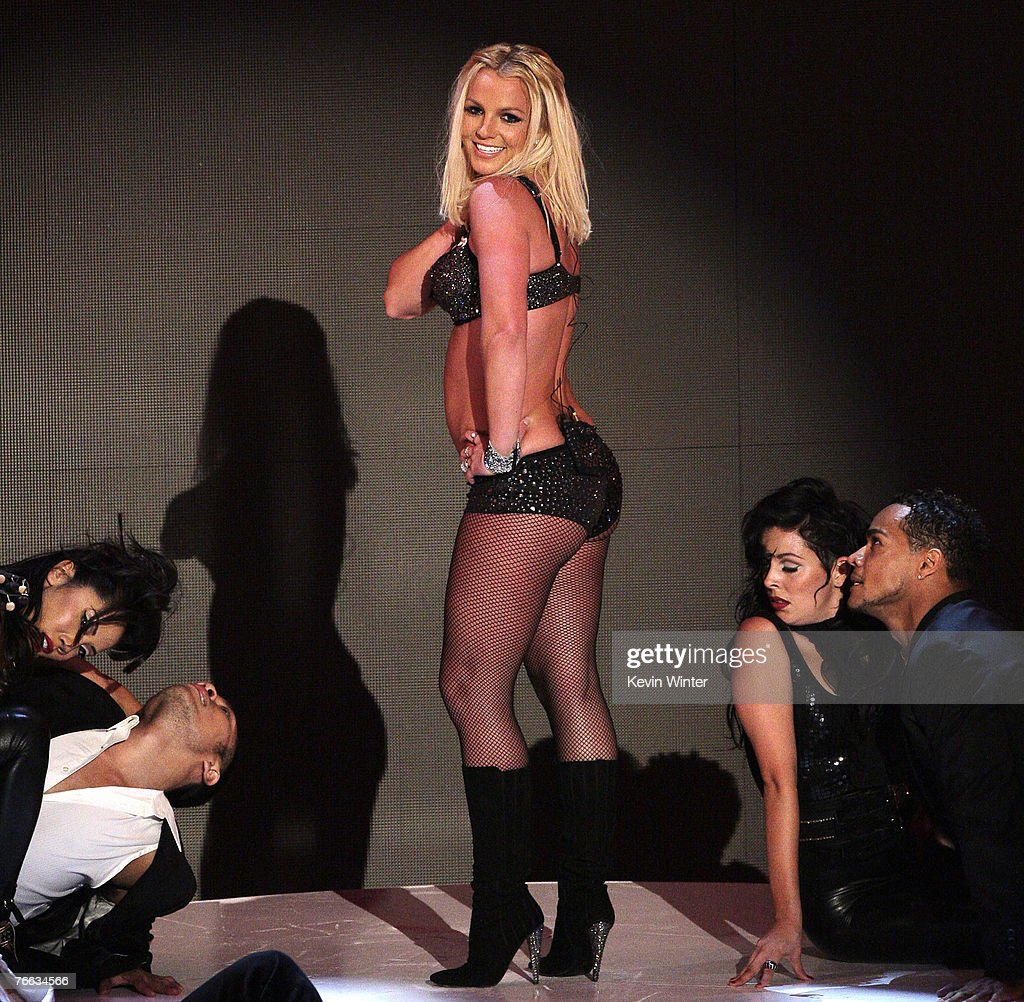 UNS: In Focus: Britney Spears Returns As A Performer To The MTV VMA's