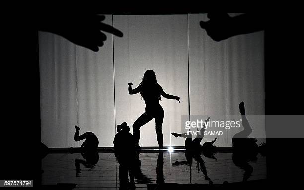 Singer Britney Spears performs on stage during the 2016 MTV Video Music Award at the Madison Square Garden in New York on August 28, 2016. / AFP /...