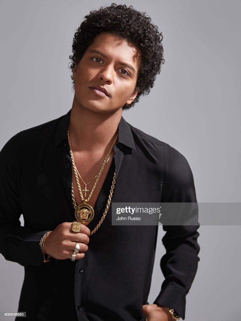 Bruno Mars, Latina, January 1, 2017