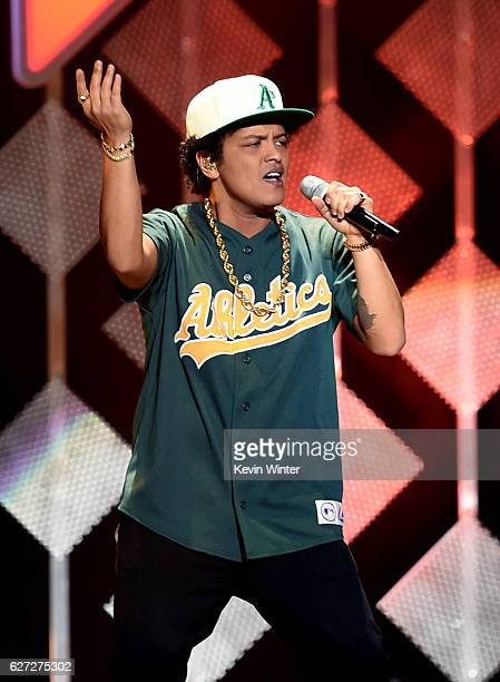 Singer Bruno Mars performs onstage during 102.7 KIIS FM's Jingle Ball 2016 presented by Capital One at Staples Center on December 2, 2016 in Los...