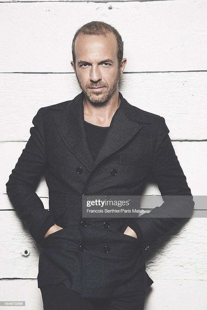 singer calogero is photographed for paris match on august 20 2014 in photo d 39 actualit. Black Bedroom Furniture Sets. Home Design Ideas