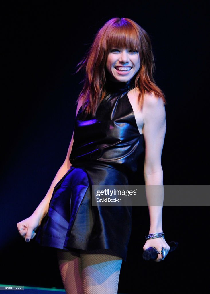 Singer Carly Rae Jepsen performs at the 'UniteLIVE: The Concert to Rock Out Bullying' at the Thomas & Mack Center on October 3, 2013 in Las Vegas, Nevada.