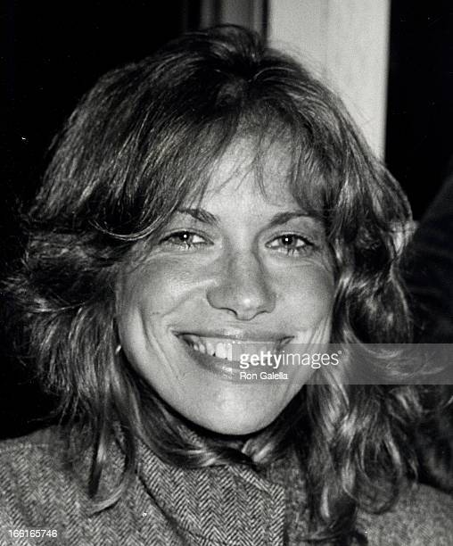 Singer Carly Simon attending the opening party for Times Square on October 14 1980 at Tavern on the Green in New York City New York