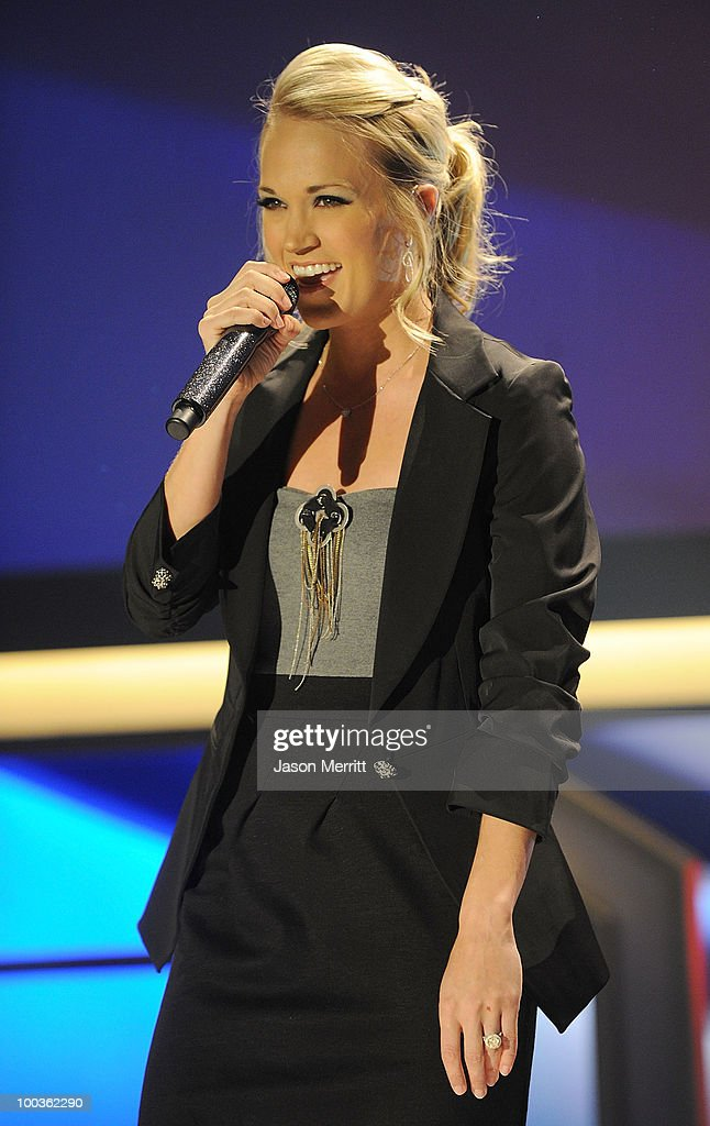 Singer Carrie Underwood performs at the 25th Anniversary Of Cedars-Sinai Sports Spectacular held at the Hyatt Regency Century Plaza Hotel on May 23, 2010 in Los Angeles, California.