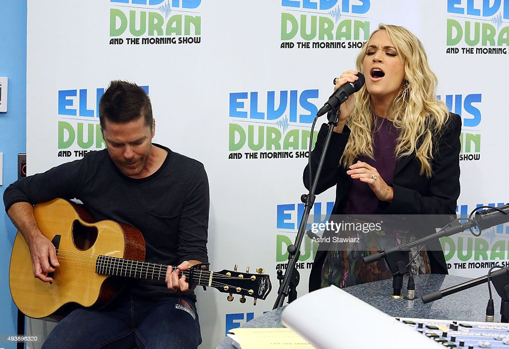 Singer Carrie Underwood performs during 'The Elvis Duran Z100 Morning Show' at Z100 Studios on October 22, 2015 in New York City.