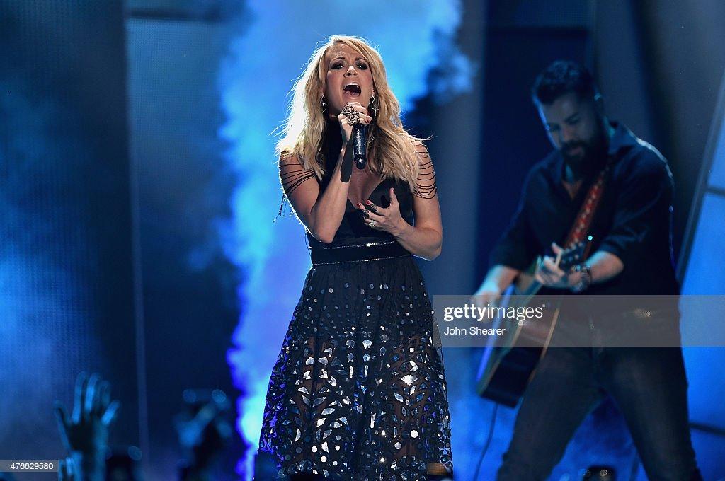 2015 CMT Music Awards - Show : News Photo