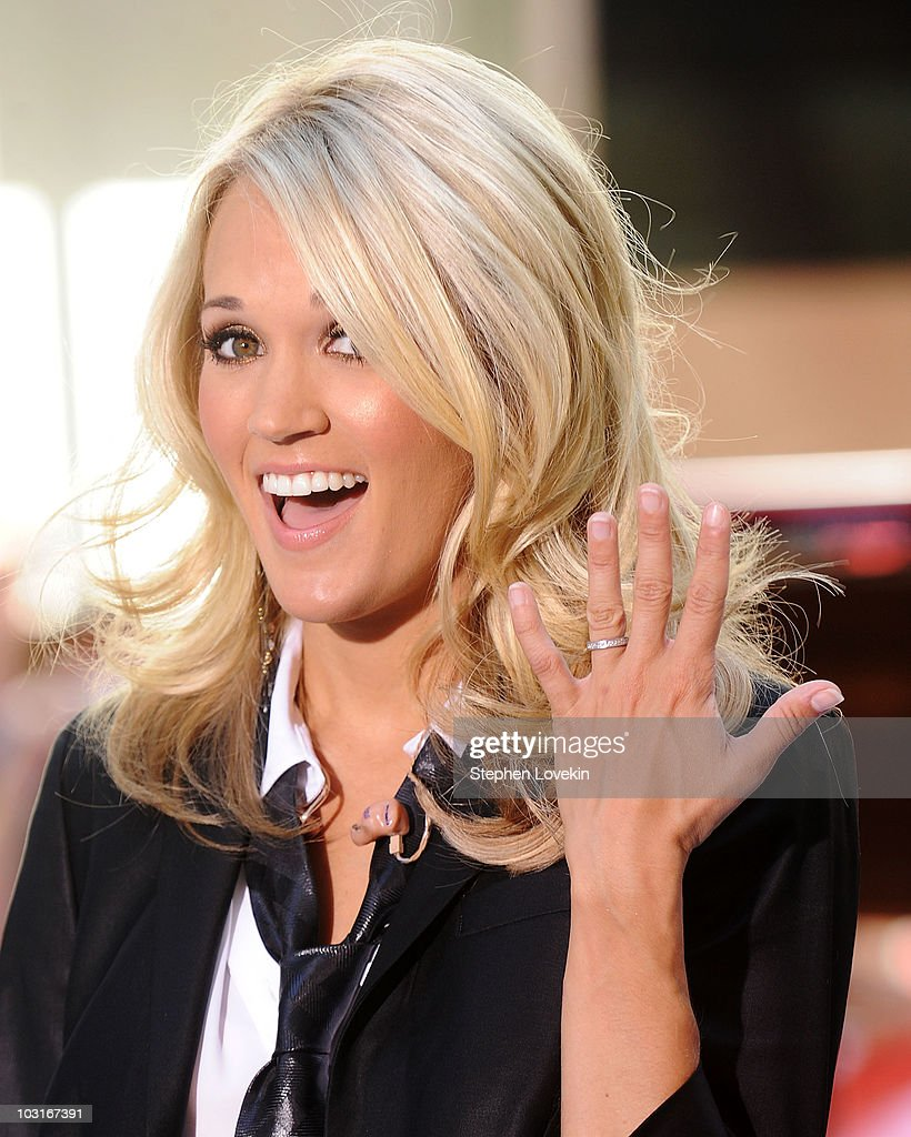 Carrie Underwood Performs On NBC\'s