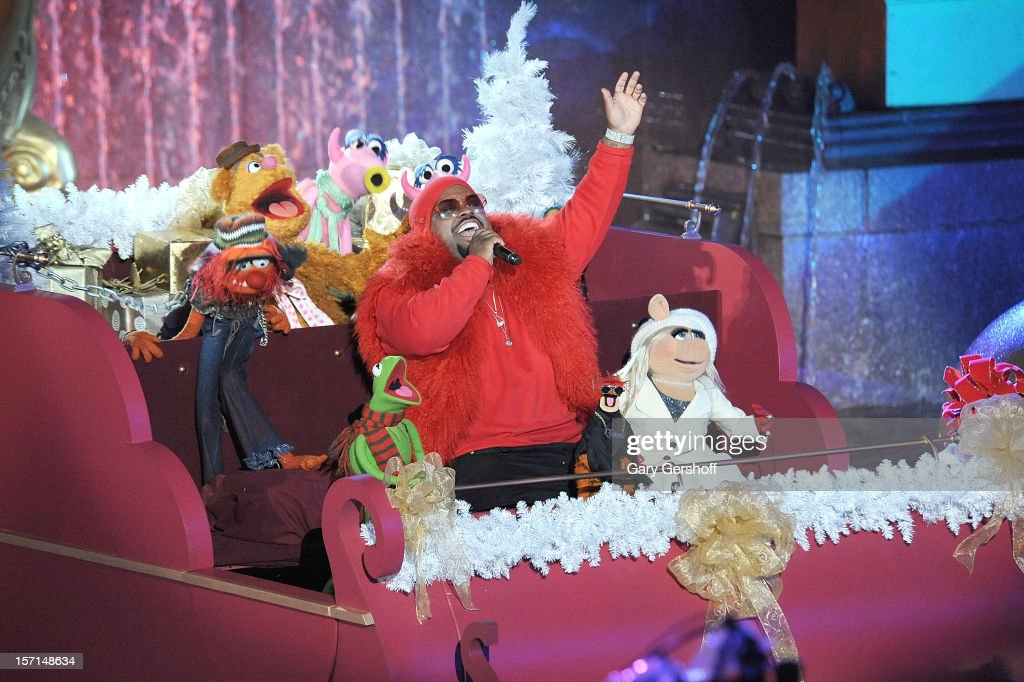 Singer Cee Lo Green performs with the Muppet characters at the 80th Annual Rockefeller Center Christmas & 80th Annual Rockefeller Center Christmas Tree Lighting Ceremony ... azcodes.com