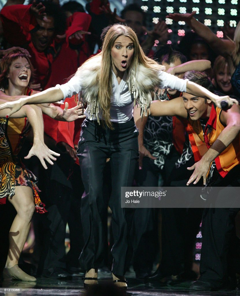 Singer Celine Dion performs on stage at the 2004 World Music Awards at the Thomas & Mack Centre on September 15, 2004 in Las Vegas.