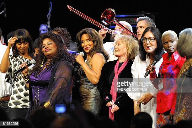 Singer Chaka Khan Freda Payne Petula Clark Nana Mouskouri and Angelique Kidjo performs during the Quincy Jones' 75th Anniversary Celebration night on...