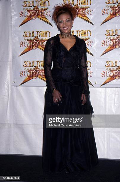 Singer Chante Moore attends the Soul Train Christmas Starfest at the Santa Monica Civic Auditorium in December 1999