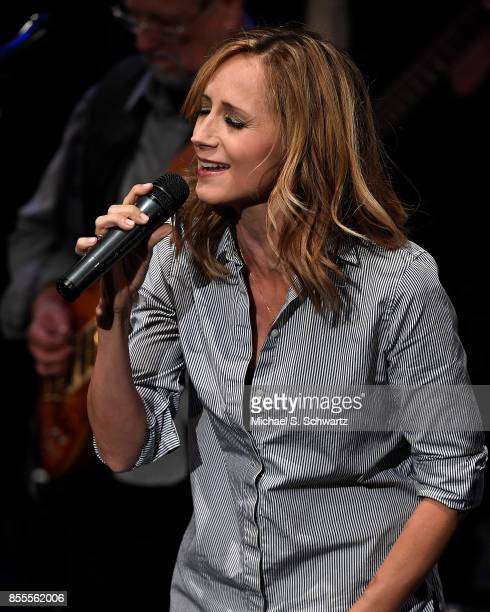 Singer Chely Wright performs during her appearance at Deep In The Heart A Concert For Hurricane Relief at El Portal Theatre on September 28 2017 in...