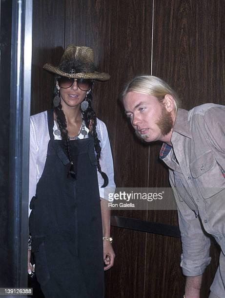 Singer Cher and musician Gregg Allman on November 5 1977 arrive at JFK Airport in New York City