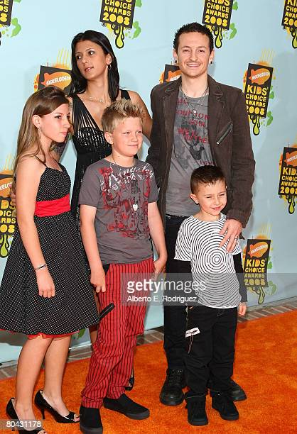 Singer Chester Bennington and guests arrives at Nickelodeon's 2008 Kids' Choice Awards held at UCLA's Pauley Pavilion on March 29 2008 in Westwood...