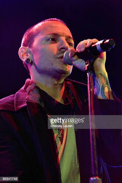 Singer Chester Bennington of Linkin Park performs at the Los Angeles Youth Network benefit rock concert at Avalon on November 22 2009 in Hollywood...