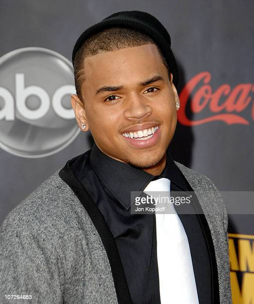 Singer Chris Brown arrives at the 2007 American Music Awards at the Nokia Theatre on November 18 2007 in Los Angeles California