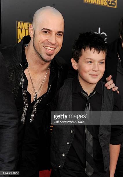 Singer Chris Daughtry and his son Griffin Daughtry arrive at the 2009 American Music Awards at Nokia Theatre LA Live on November 22 2009 in Los...