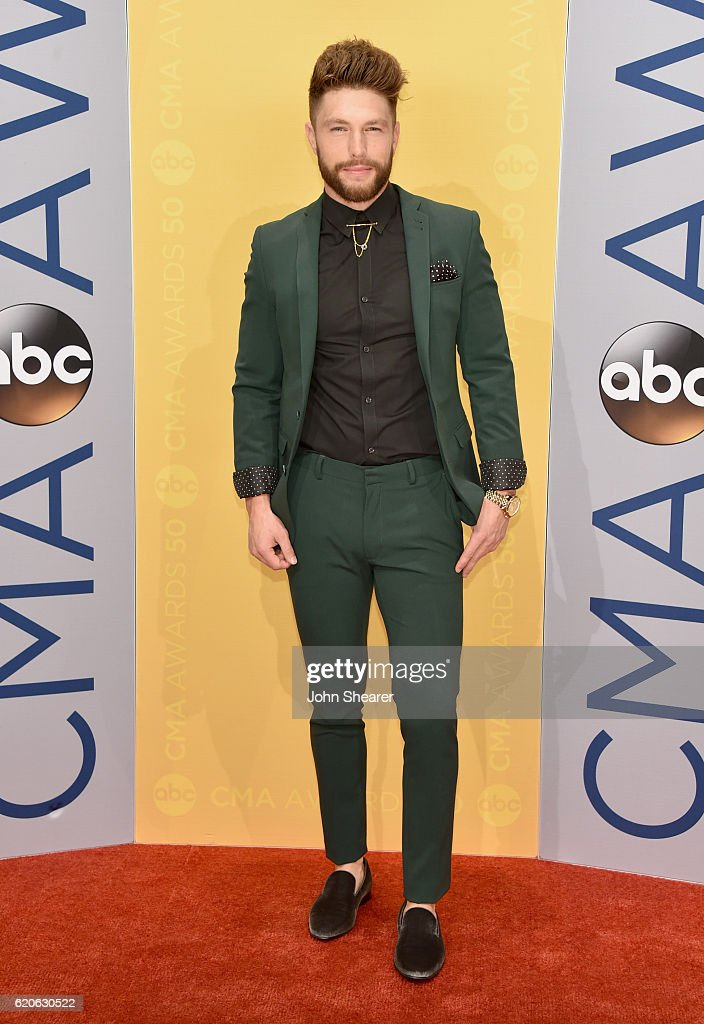The 50th Annual CMA Awards - Arrivals : News Photo