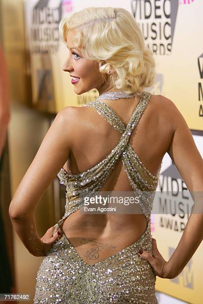 Singer Christina Aguilera attends the 2006 MTV Video Music Awards at Radio City Music Hall August 31 2006 in New York City