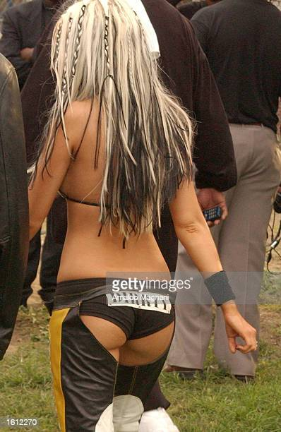 Singer Christina Aguilera prepares to perform at an MTV production October 7 2002 underneath the Brooklyn Bridge in New York City