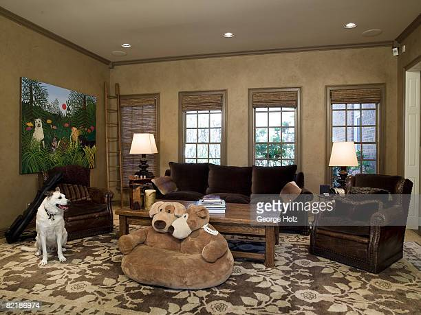 Singer Clint Black and actress/wife Lisa Hartman Black's home is photographed for People Magazine on May 1 2008 in Nashville Tennesee The family room...
