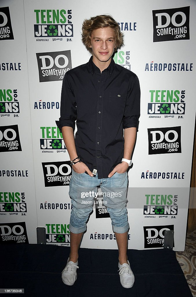 "DoSomething.org And Aeropostale, Inc. Celebrate Kick Off Of 5th Annual ""Teens For Jeans"" Campaign With Kristen Bell"
