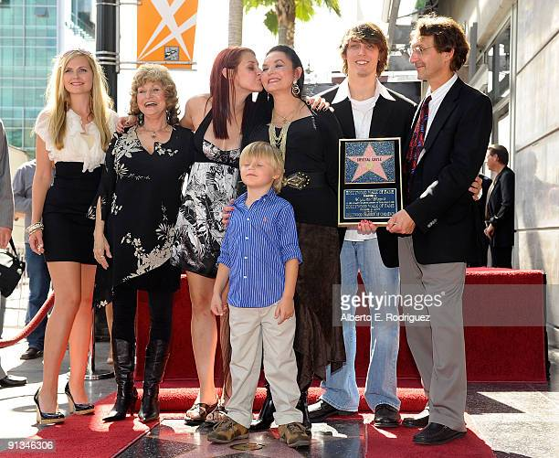 Singer Crystal Gayle and family at the star ceremony honoring Crystal Gayle on October 2 2009 in Hollywood California