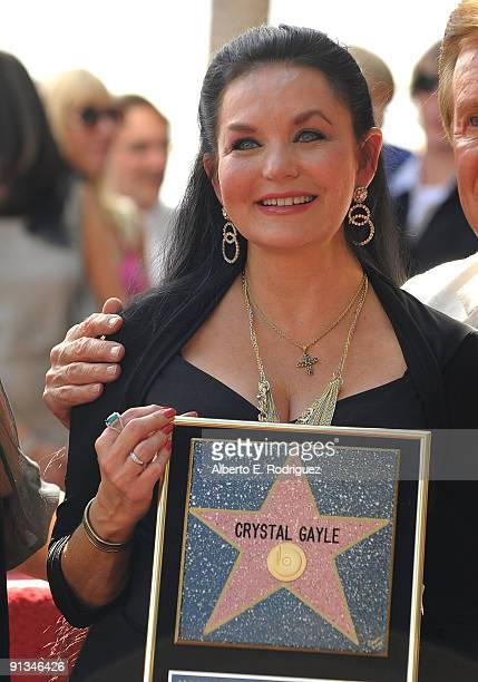 Singer Crystal Gayle at the star ceremony honoring Crystal Gayle on October 2 2009 in Hollywood California