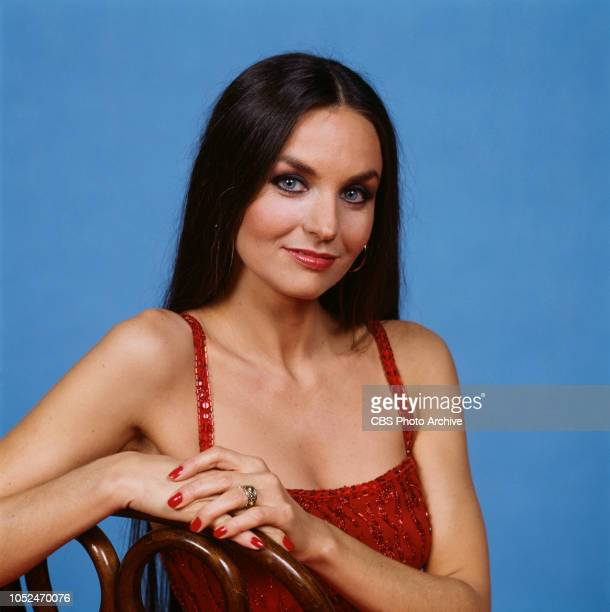 Singer Crystal Gayle poses for a portrait for The 16th Annual Country Music Association Awards at the Grand Ole Opry House in Nashville Tenn October...