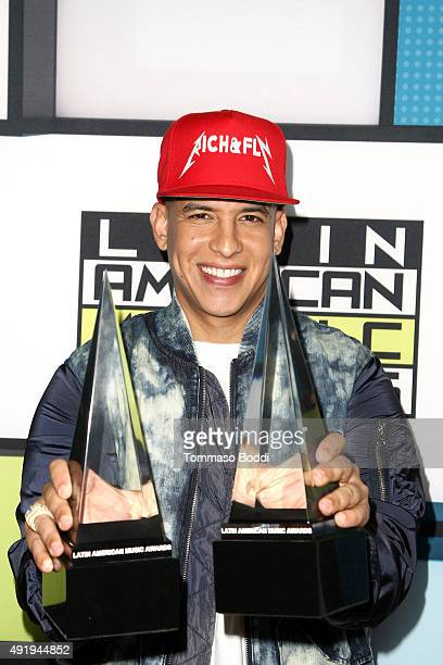 Singer Daddy Yankee poses in the press room during the Telemundo's Latin American Music Awards 2015 held at Dolby Theatre on October 8 2015 in...