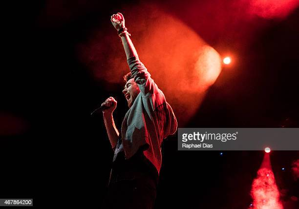 Singer Dan Smith of Bastille performs at Citibank Hall on March 27 2015 in Rio de Janeiro Brazil