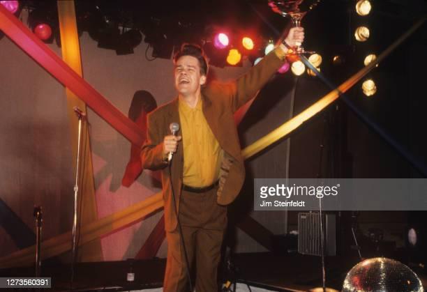Singer David Johansen aka Buster Poindexter performs at the Hyatt Regency Hotel in Minneapolis, Minnesota on May 1, 1989.