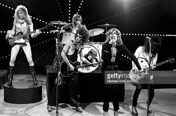 Singer David Johansen guitarist Johnny Thunders drummer Jerry Nolan bassist Arthur Kane and guitarist Sylvain Sylvain of the rock and roll group 'The...