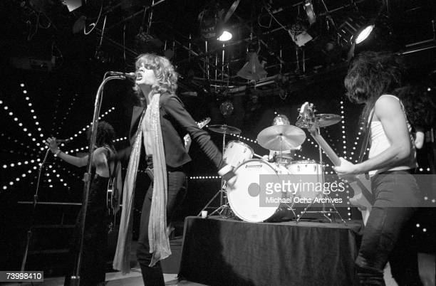 Singer David Johansen guitarist Johnny Thunders drummer Jerry Nolan bassist Arthur Kane and musician Sylvain Sylvain of the rock and roll group 'The...