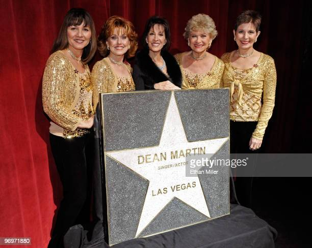 Singer Deana Martin daughter of Dean Martin and members of The Golddiggers singers and dancers from The Dean Martin Show Sheila Allan Susie Ewing...