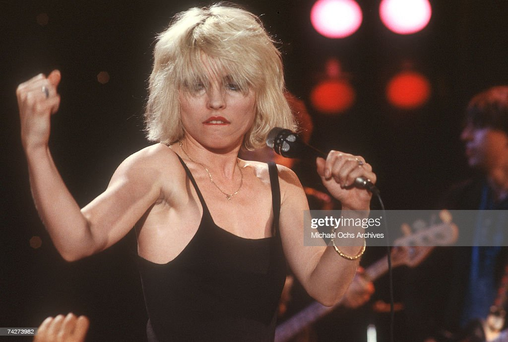 Singer Debbie Harry of the New Wave pop band 'Blondie' performs onstage in circa 1980 in Los Angeles, California.