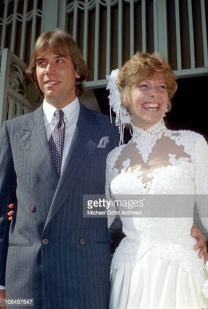Singer Debby Boone and her new husband Gabriel Ferrer pose for a portrait after their wedding on September 1 1979 in Los Angeles California
