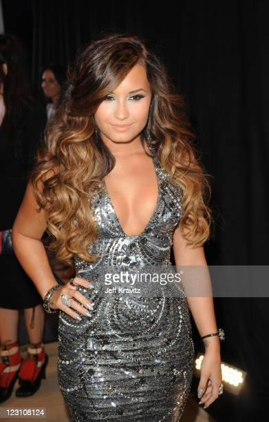 Singer Demi Lovato arrives at the 2011 MTV Video Music Awards at Nokia Theatre LA Live on August 28 2011 in Los Angeles California