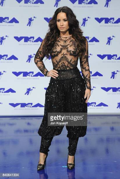 Singer Demi Lovato arrives at the 2017 MTV Video Music Awards at The Forum on August 27 2017 in Inglewood California