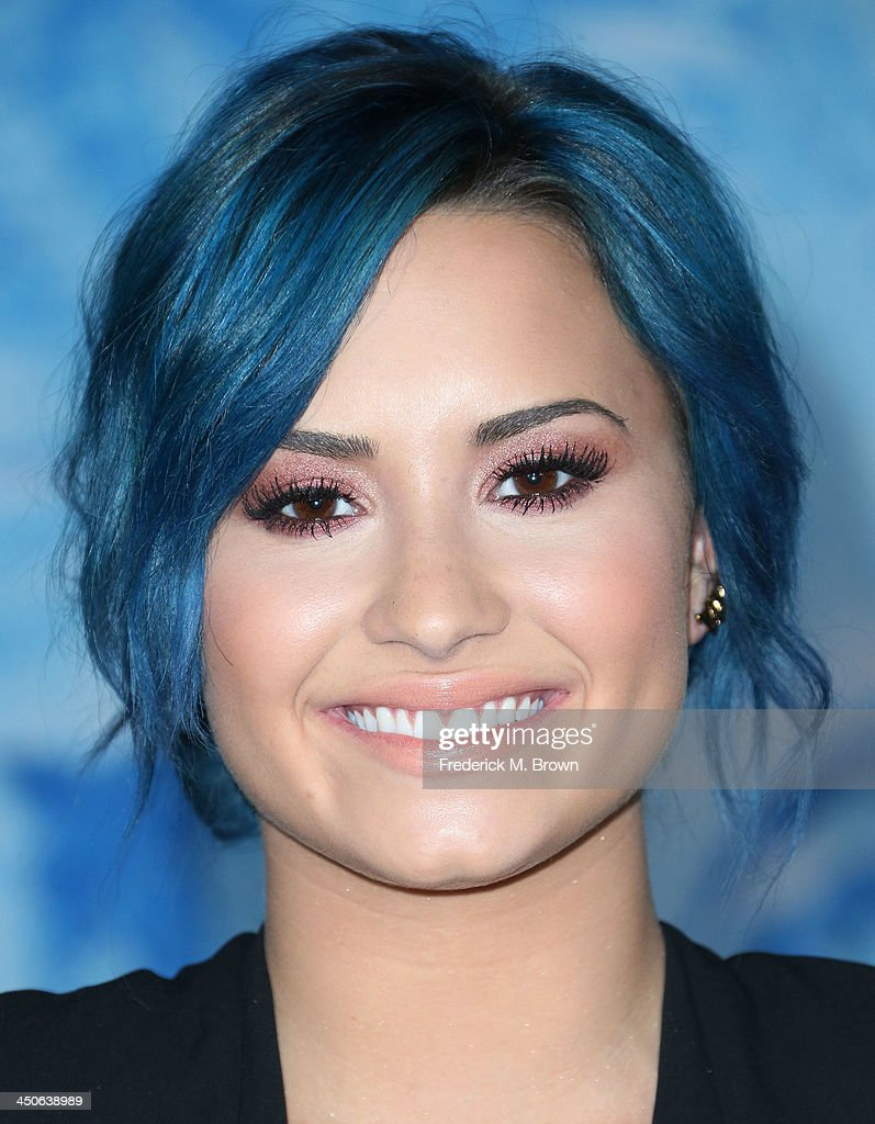 Singer Demi Lovato attends the Premiere of Walt Disney Animation Studios' 'Frozen' at the El Capitan Theatre on November 19, 2013 in Hollywood, California.